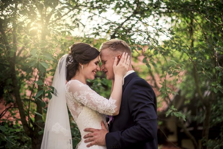 kāzu dejai gatavoties